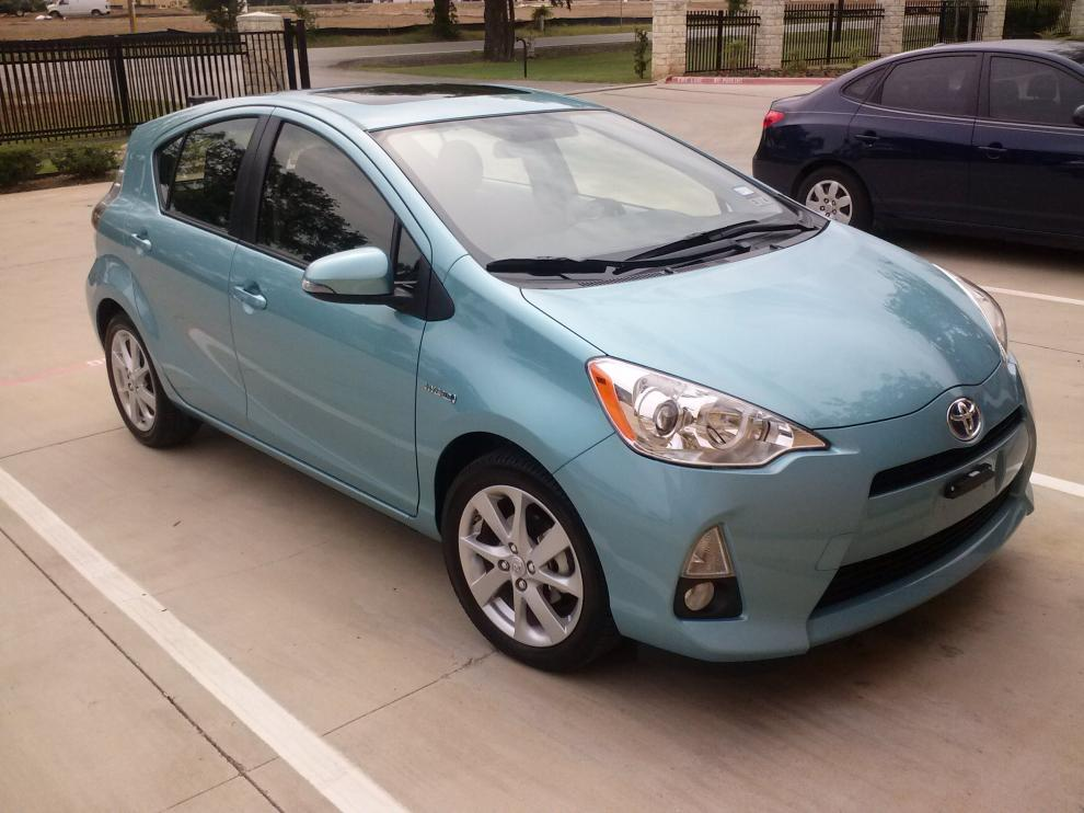 2012 toyota prius c review big skid media group. Black Bedroom Furniture Sets. Home Design Ideas